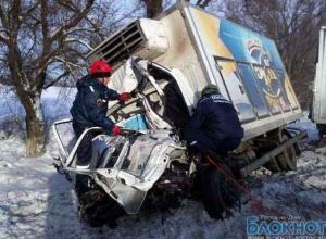 В Ростовской области на М-4 «Дон» столкнулись три большегруза