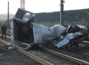 В Ростовской области поезд сбил заглохшую на переезде «ГАЗель»