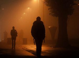 Мужчина избил и ограбил молодого прохожего в «темном» сквере Ростовской области