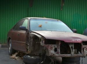 Брошенные на обочинах ростовских дорог автомобили будут сдавать на металлолом