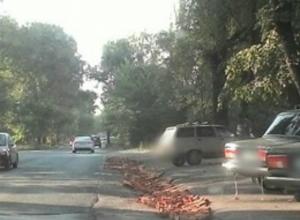 Заветный путь к стоянке проложили новочеркасцы, самостоятельно отремонтировав дорогу