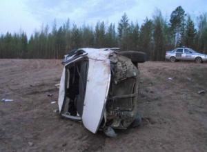 Микроавтобус с молодым водителем рухнул с моста на железную дорогу в Ростовской области