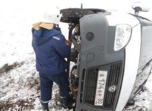 В Ростовской области пассажирская «ГАЗель» перевернулась и вылетела в кювет
