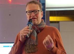 В прямом эфире на вопросы ответит ресторанный критик, эксперт по продвижению ресторанного бизнеса Олег Назаров