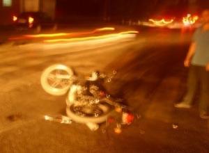 В Батайске водитель КамАЗа сбил подростков на мотоцикле