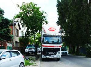 Автохам на грузовиках довел до белого каления соседей в Ростове