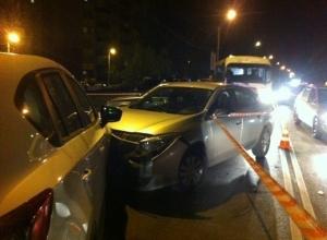 В Ростове водитель на «Мазде» спровоцировал ДТП с шестью автомобилями