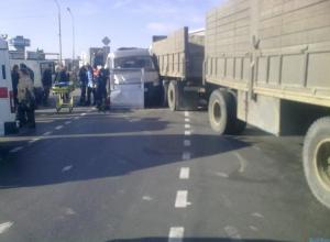 В Азове пассажирская «Газель» столкнулась с Камазом: 6 пострадавших