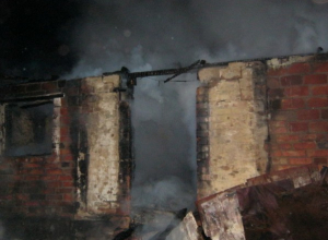 В Ростовской области в пожаре погибли 3-летний мальчик, его отец и родственник