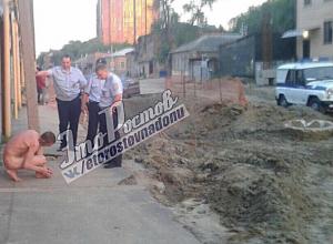 «Материализовавшийся» в центре Ростова голый терминатор напомнил горожанам о «судном дне»
