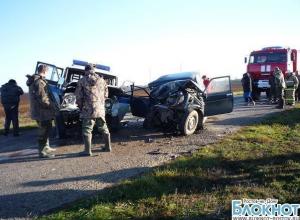 В Ростовской области в ДТП с участием полицейского 2 человека погибли, 1 травмирован