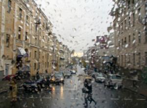 Сокрушительные ливни и магнитные бури ударят по Ростову в первый день рабочей недели