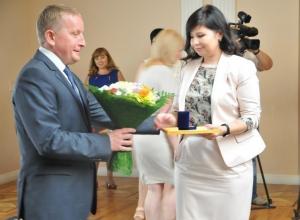 В Ростовской области за доблестный труд наградили лучших работников торговли