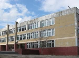 В Ростове полиция ищет бомбы в двух школах
