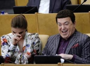 Три средних зарплаты стоит такси для депутата Госдумы в Ростове