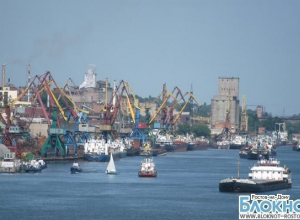 В Ростове моряки полгода удерживают свои суда, требуя выдать им зарплату