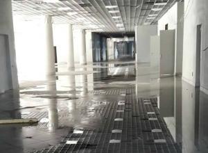 Строящийся стадион «Ростов-Арена» не выдержал напор водной стихии