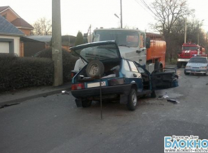 В Ростове в ДТП с участием водовоза и легковушки погибли 2 человека