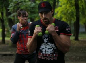 Участник турниров ММА начал бесплатные тренировки для начинающих боксеров в Ростове