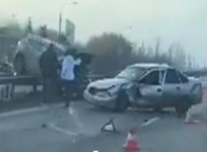 Молодой парень сильно пострадал в столкновении иномарок на трассе под Ростовом