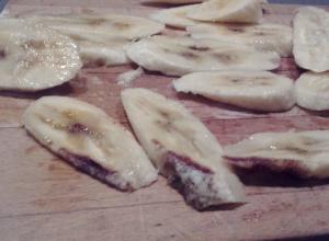 Кровавые бананы купила шокированная девушка в гипермаркете Ростова