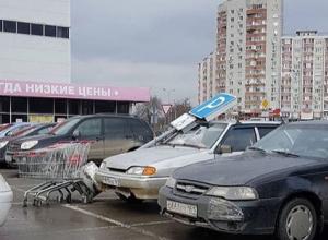 Дорожные знаки мстят ростовским автомобилистам