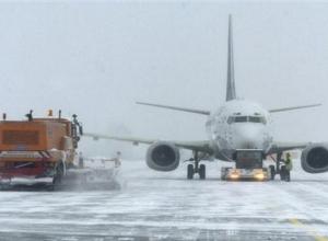 Снегопад нарушил работу аэропорта Ростова-на-Дону: авиаузел работает по фактической погоде