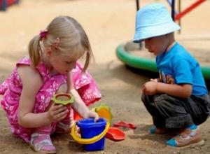 Девятилетний мальчик со своей маленькой сестрой бесследно пропали с детской площадки Ростова