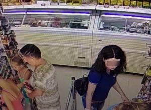 Ушлая молодая мать стащила чужую дыню из камеры хранения в супермаркете Ростова