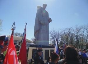В Красносулинском районе заключенные отреставрировали памятник героям ВОВ