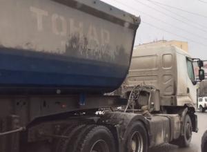 Создающих адские пробки автохамов злостно раскритиковал ростовский блогер