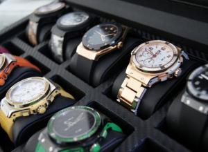 У жителя Аксайского района украли коллекцию элитных часов, сувениров и медалей ВОВ