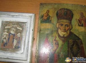 В Ростовской области на таможне у жителя Украины изъяли две иконы