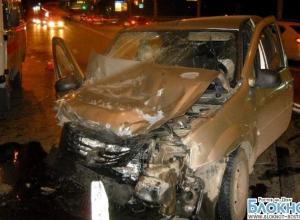 В Ростове водитель «БМВ» без номеров спровоцировал ДТП с тремя авто и сбежал с места. ФОТО