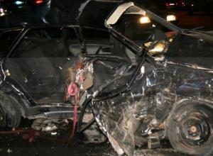 В Ростове в ДТП погибли 2 человека, еще 6, в том числе годовалый ребенок, травмированы
