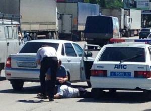 В Ростове с поличным поймали на взятке сотрудника ДПС. Видео