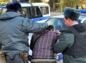 Пьяный юноша катался на угнанном с частного двора родственника автомобиле в Ростовской области
