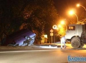 В Волгодонске «Газель» упала в дренажный канал