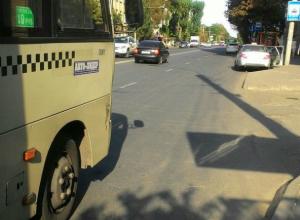 Жители Ростова разгадали тайну проклятой остановки на пересечении Доломановского переулка и Красноармейской улицы