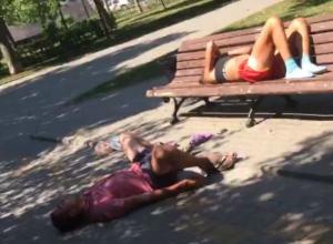 Трое любителей солнечных ванн попали на видео в Ростове