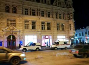 Безобразную истерику влюбленной девушки в ростовском бутике прервали санитары