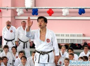 В Ростове сенсей по каратэ из Японии обучил приемам воинов-самураев