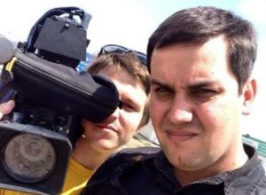 На границе с Ростовской областью у украинского КПП Изварино ранены журналисты РЕН ТВ