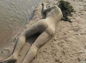 Неживая голая девушка на пляже восхитила жителей Ростова