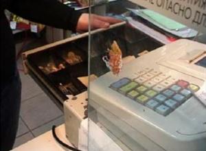 Окружившие магазин полицейские оставили без добычи глупого рецидивиста в Ростовской области