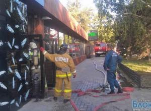 Ресторан «Рис» горит в Ростове-на-Дону
