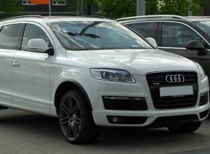 Автомобиль за несколько миллионов рублей застрял в многомесячном плену у авторемонтников в Ростове