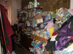 В Ростовской области женщина превратила комнату 10-летней дочери в свалку