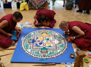 Тибетские монахи семь дней будут создавать в Ростове мандалу Ваджрасаттвы