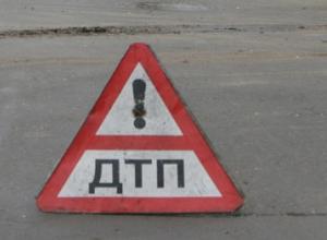 В Ростове водитель на легковушке сбил несовершеннолетнюю и скрылся